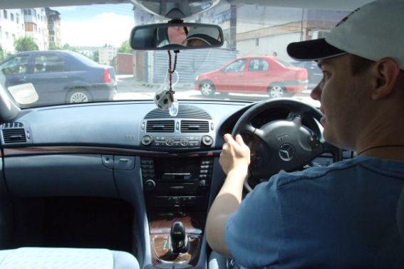 new product 035c9 cecac Mașinile cu volan pe dreapta, interzise în România după Brexit