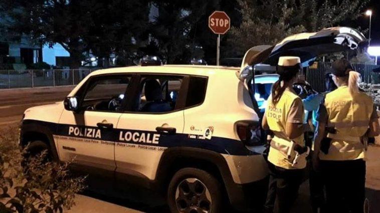 Român arestat la Ravenna, a încercat să fure o mașină de poliție, apoi s-a bătut cu mai mulți agenți