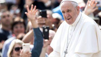 Papa Francisc vizite
