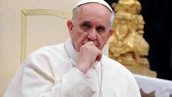 papa francisc cardinal testat pozitiv