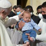 papa francisc copii1